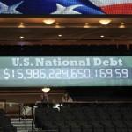 Кому США должны 15 триллионов долларов?